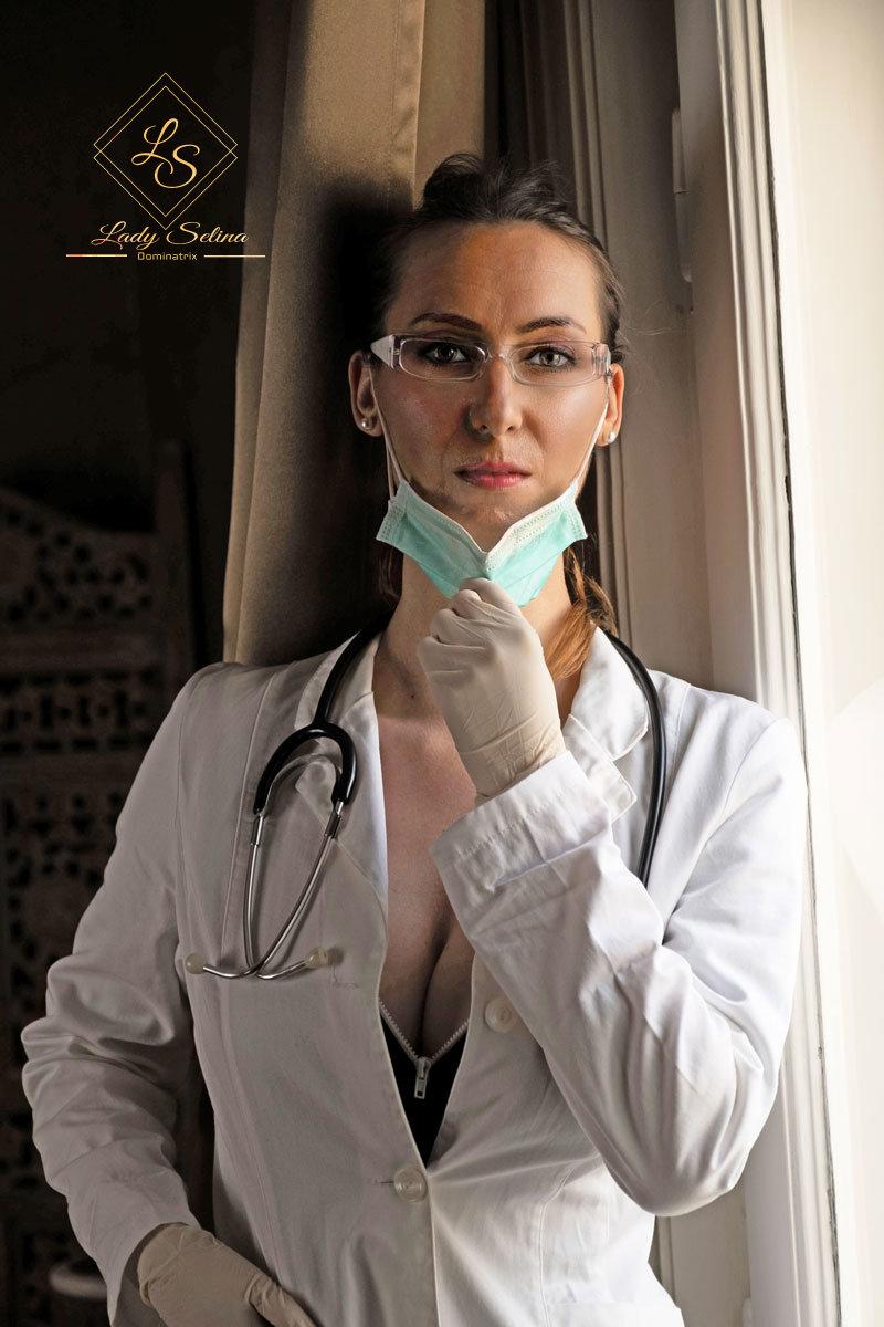 Lady Selina   versierte Klinikerin mit BDSM Ordination